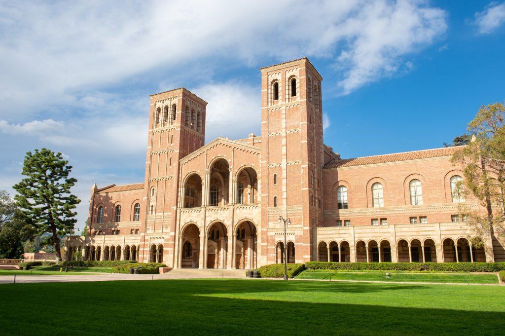 【留学中の先輩に聞いた】あなたの大学が行った新型コロナ対策は?